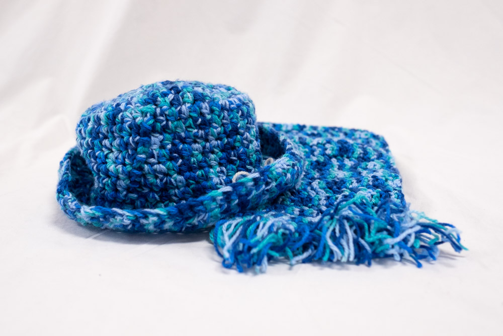 anne mcgechan_nareen gardens bateau bay ilu_knitted hat and scarf
